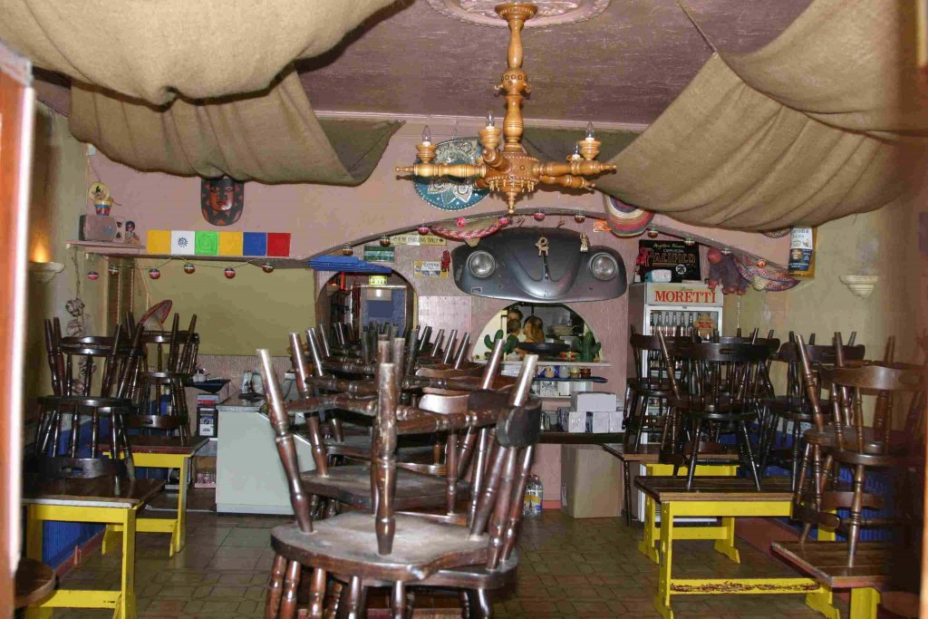 Picture showing the inside of Salsa Mexicana in 2007