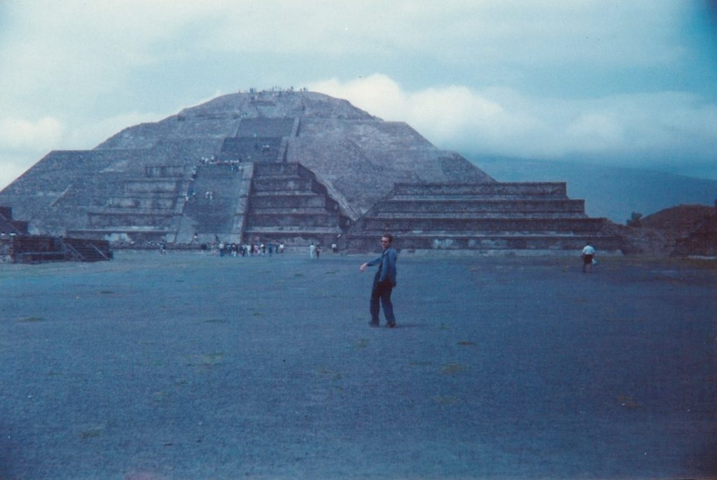 Picture of Simon at Teotihuacan in 1994